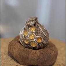 Бусина Пчела